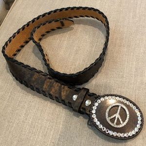 Leather belt with Peace sign buckle